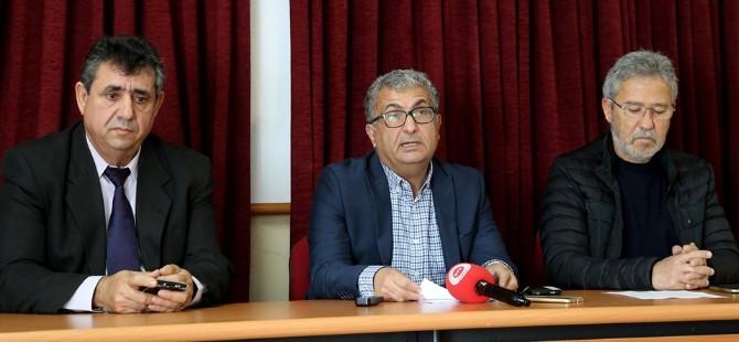 """""""Kıbrıs Cumhuriyeti'ne dönüş mümkün mü?"""" konulu bir panel düzenleniyor"""