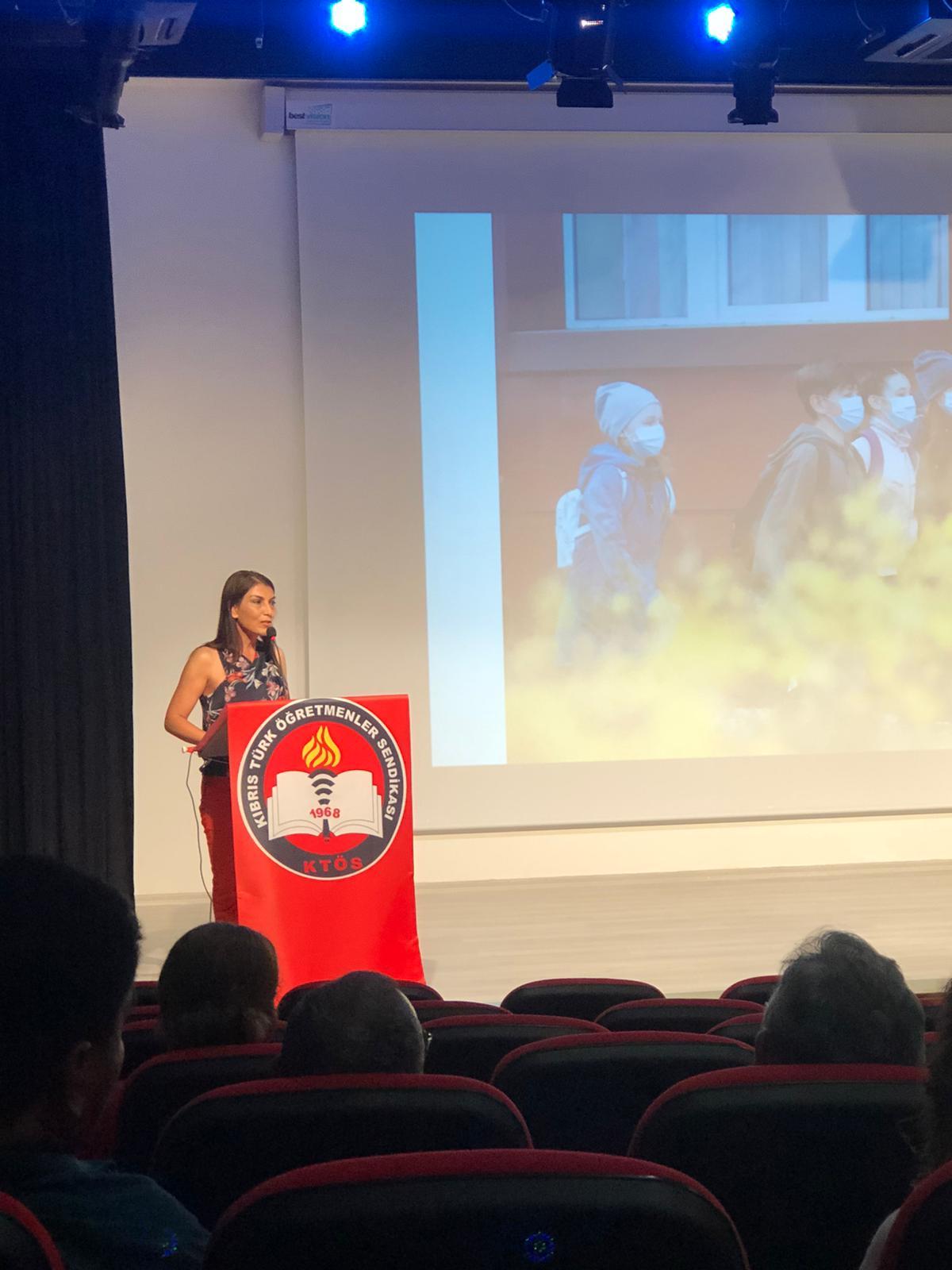 """""""Okulların Yeniden Açılmasına Yönelik Rehber"""" temalı konferans gerçekleşti."""