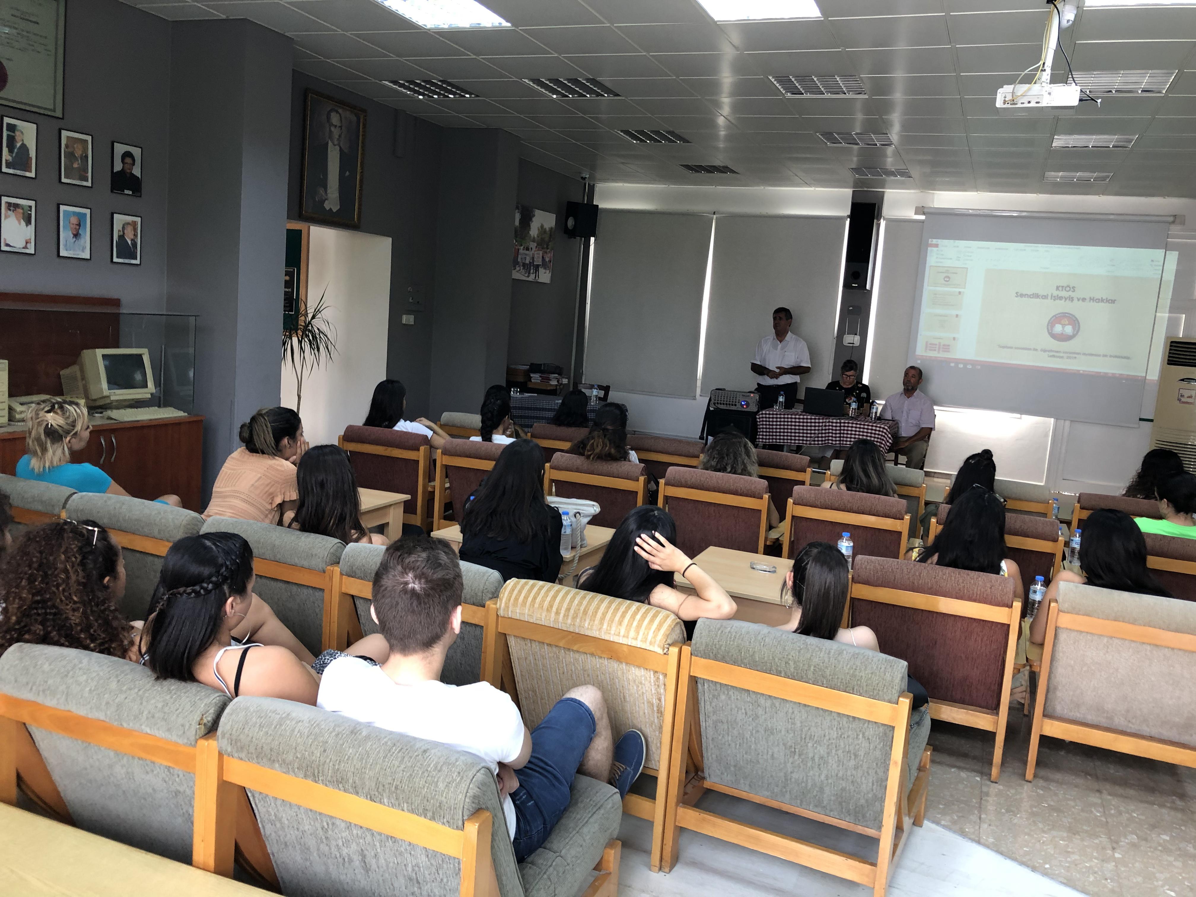 KTÖS, öğretmen adaylarına bilgilendirme semineri düzenledi.