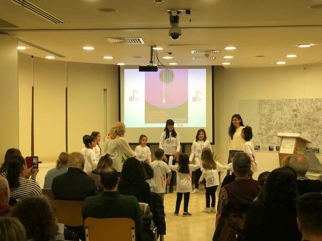 Toplumlararası Çocuk Korosu şarkılarıyla barış mesajı verdi.